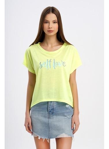 Nismia Hologram Selflove Fosforlu Yarasa Tshirt Sarı